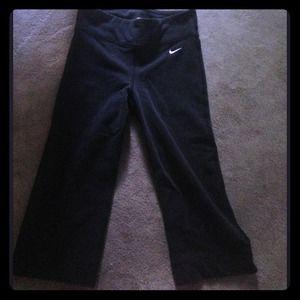 Nike fit dry leggings size xs. Black