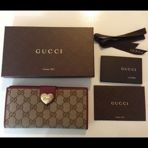 Gucci Continental Heart Wallet