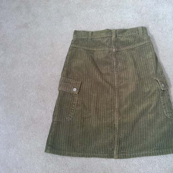 Benetton Bottoms - 🎉REDUCED!! Green Benetton corduroy skirt
