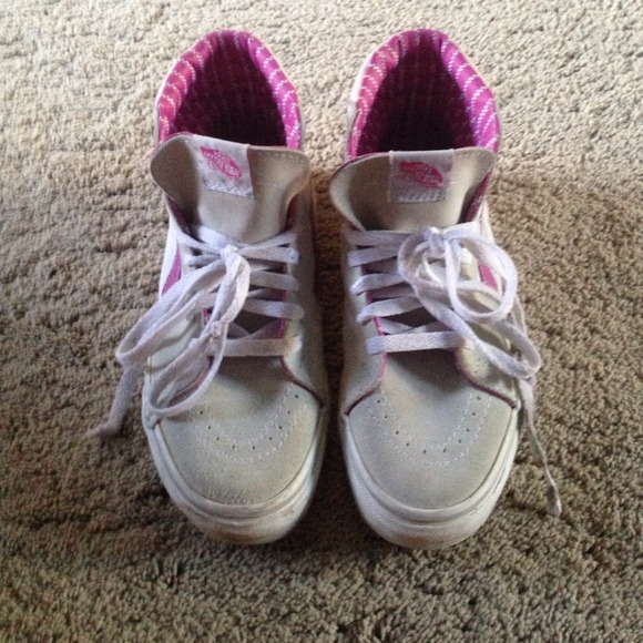 8cf72fa6526 Buy vans shoes pink and white