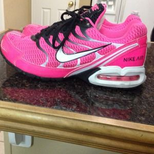 reputable site 97f6a 258a3 Nike Shoes - Cute hot pink and black nike torch 4