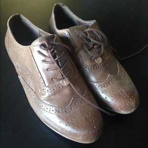 Steve Madden Brown Oxfords
