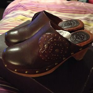 Lucky Brand... Chocolate Brown Leather Clogs