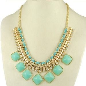 Gorgeous mint statement necklace