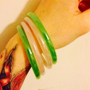 Jewelry - Unique glass bangles (set of 4)