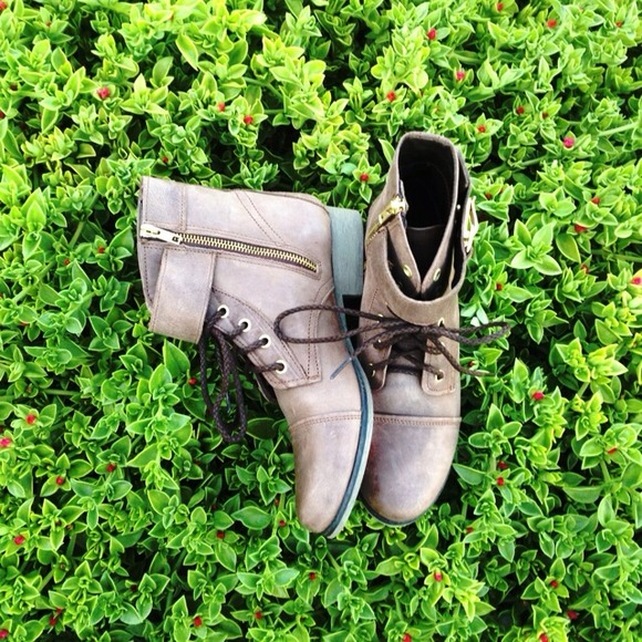 {Steve Madden} Ankle Boots