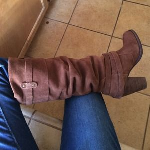 Steven by Steve Madden Shoes - Steve Madden knee high brown suede boots.
