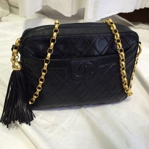 b700abb47107 CHANEL Bags - Chanel Vintage Crossbody with Tassel
