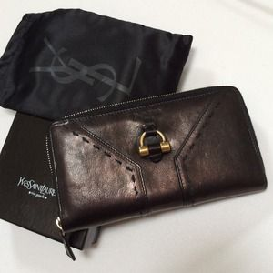 57% off Yves Saint Laurent Clutches \u0026amp; Wallets - ??YSL Muse Zip ...