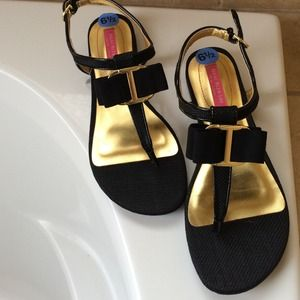 Isaac Mizrahi Shoes - Issac Mizrah 6.5 sandals.