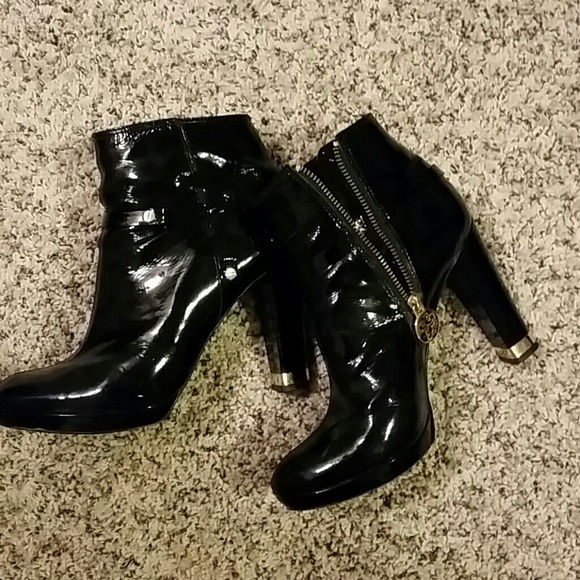 d27fd043b16009 Tory Burch patent leather booties. M 54036c48fe9a2b7edb2442e7
