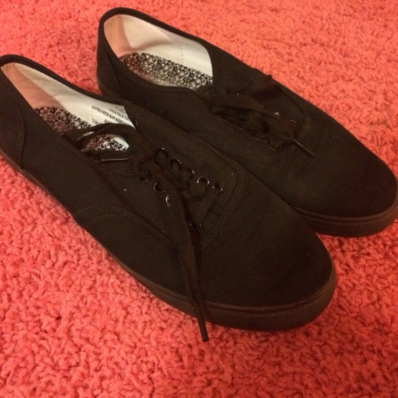 60% off Vans Shoes - Knock off solid black canvas vans/keds from ...