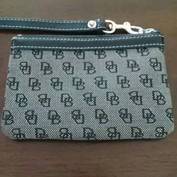 bourke black single women Free shipping both ways on dooney & bourke, bags, women, from our vast selection of styles fast delivery, and 24/7/365 real-person service with a smile click or.