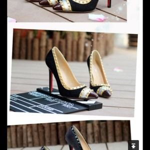Shoes - 🎉HP 10/01🎊Studded red sole burgundy black heels