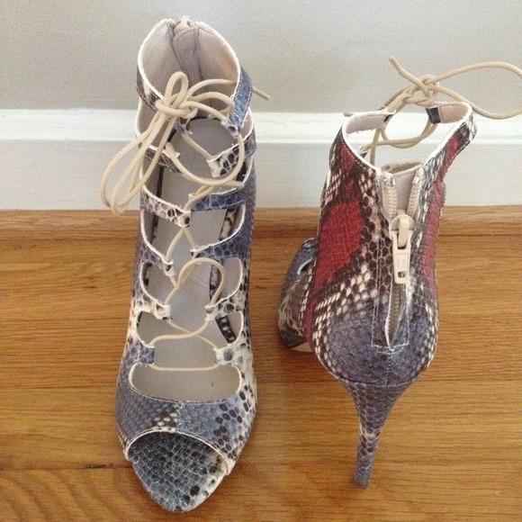db09d9b1065 NEVER BEEN WORN ZARA snakeskin lace up heels! NWT