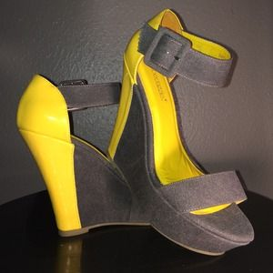Gray and neon yellow canvas wedges