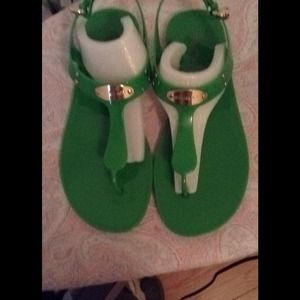 Sold! Green plate jelly t strap sandal