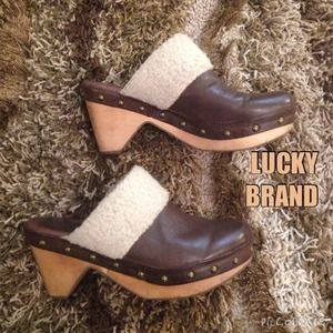 FINAL MARKDOWN LUCKY BRAND clogs