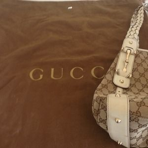 Large Gucci hobo bag. Great condition