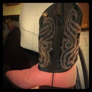 Cowboy Boots Hot pink and Black