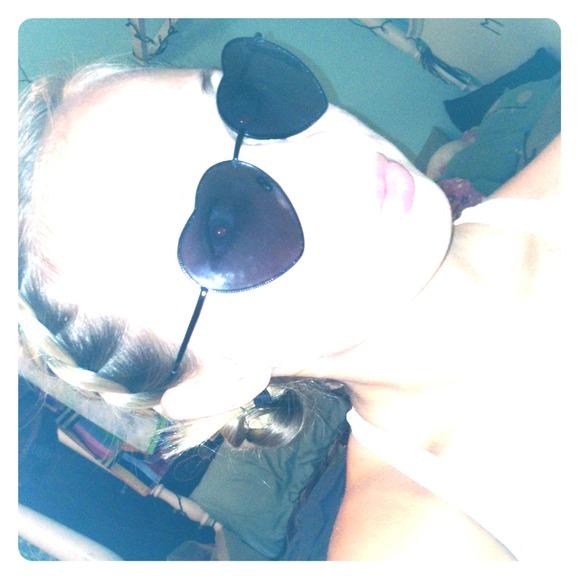 0ee7e9239b2f0 Pacsun Heart Shaped Sunglasses. M 5407d057ba53401a6c3cf0c1