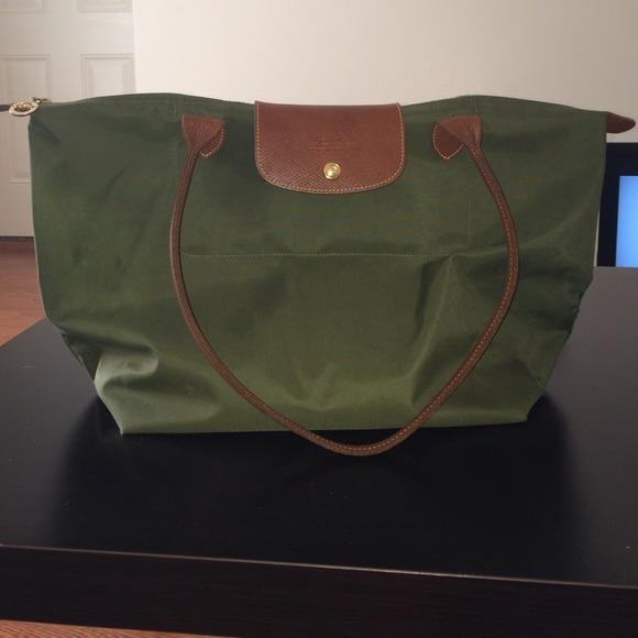 Longchamp Handbags - Large Hunter Green Longchamp Bag b03c53b602377