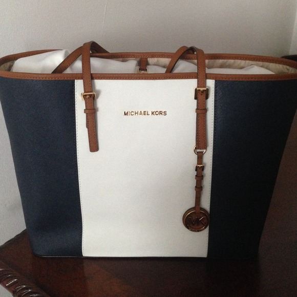 59354b2566 Michael kors blue white and brown tote