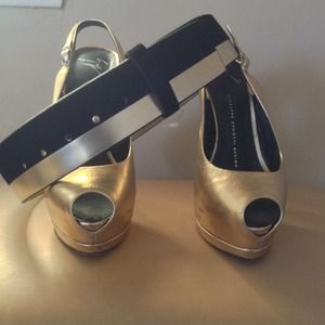 Ann Taylor Accessories - Nice waist belt NWOT