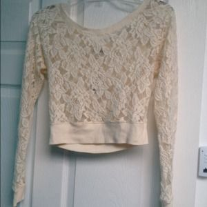 Long-sleeved lace crop top