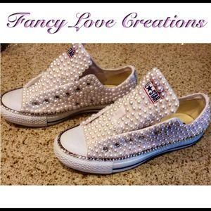 Customized #pearl Converse Sneakers