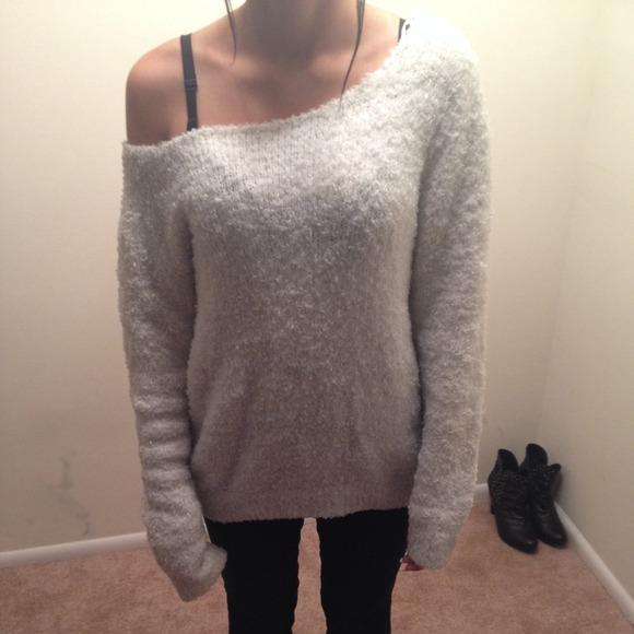 1f9781cb70 H M Sweaters - White fuzzy
