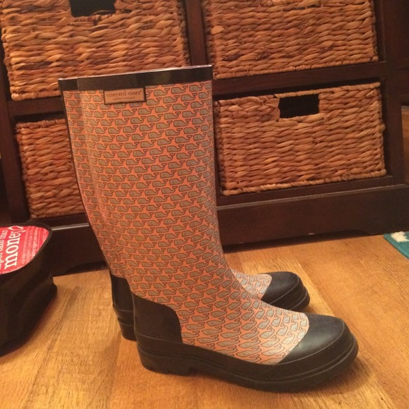 vineyard vines rainboots (whalies)