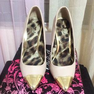 Qupid Nude Gold cap toe heels