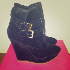 Shoes - Suede wedge booties
