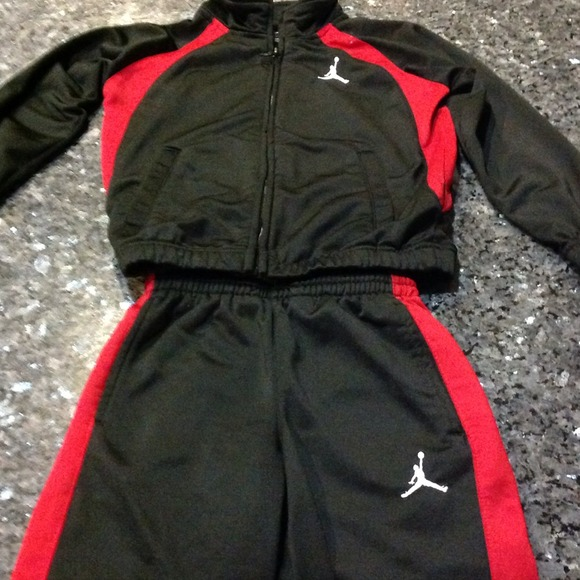b3c55b2272efc6 Jordan Other - Boys Jordan brand sweat suit for toddler