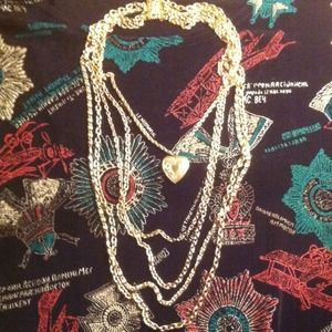 Jewelry - 🎉HP🎉 Vintage Heart Locket Necklace with 5 Chains