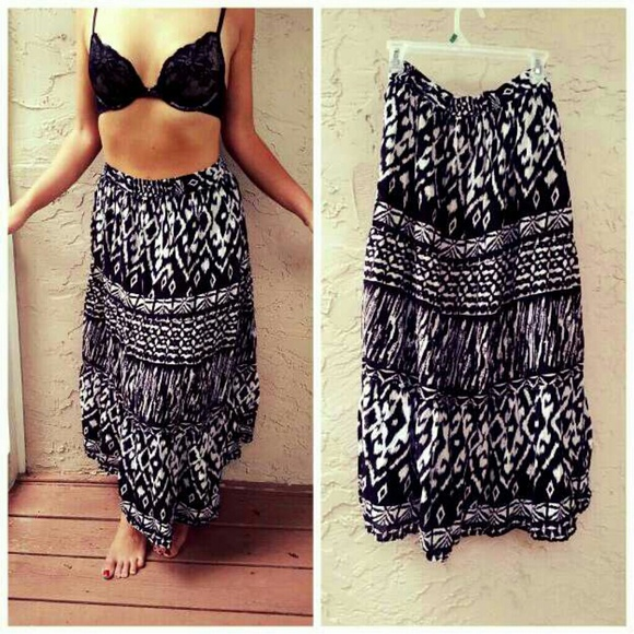 63 dresses skirts flowy black and white maxi