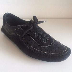 Ferragamo black leather sneakers