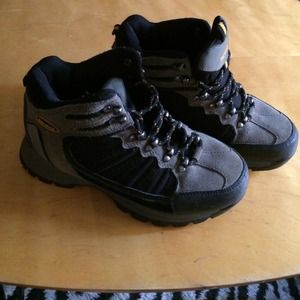 Nevados Shoes - Hiking boots