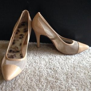 Nude Mesh Pumps