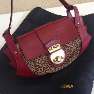 FENDI Baguette - AUTH, Gorgeous, Extremely Rare ❤️