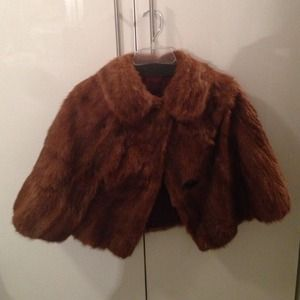 Vintage fur capelet with 1950/60's style collar