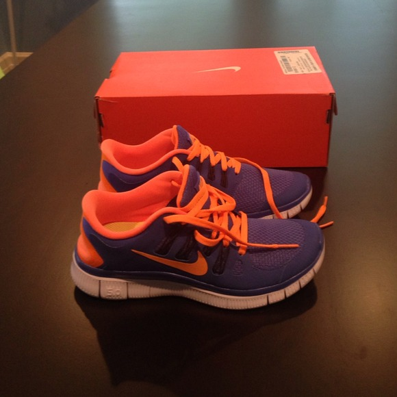 4f14b998d Womens size 6 nike free 5.0 + new in box