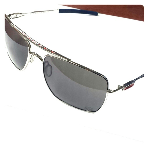 a2f837b87d9 Oakley Team USA Deviation sunglasses. M 540dd8e4e6ce28467d24580a