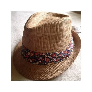 Accessories - Fedora Hat w/ Floral Band 🌺