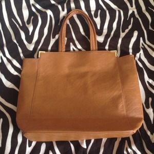 Cute camel colored purse!