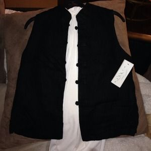 Short sleeved black shirt