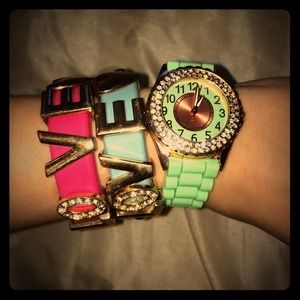 Jewelry - Sale⭐️3 for 1⭐️bundle of new watch- 2 bracel