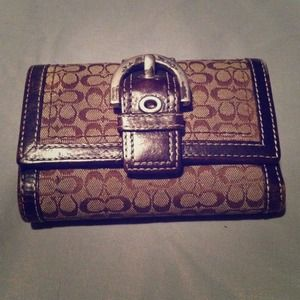 Signature Coach trifold wallet