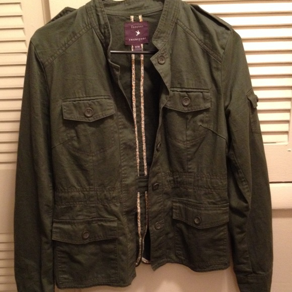40% off Forever 21 Jackets & Blazers - ✨MARKED DOWN✨ Dark green ...